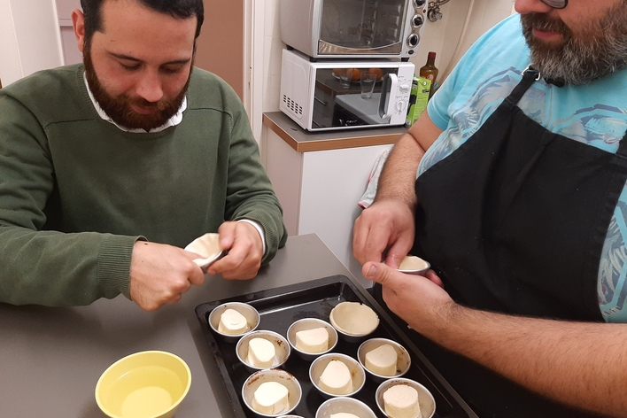 "Learn to do ""pastel de nata"""