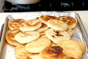Cenas particulares como en su propia casa: Arepa making dinner party