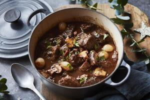 Eat with locals: Boeuf bourguignon a la francaise / lunch time