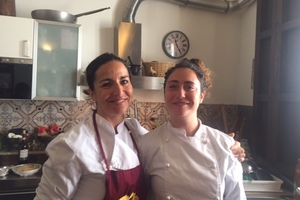 Eat with locals: Dinner with a private sicilian cook