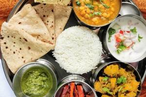 Eat with locals: Indian aroma