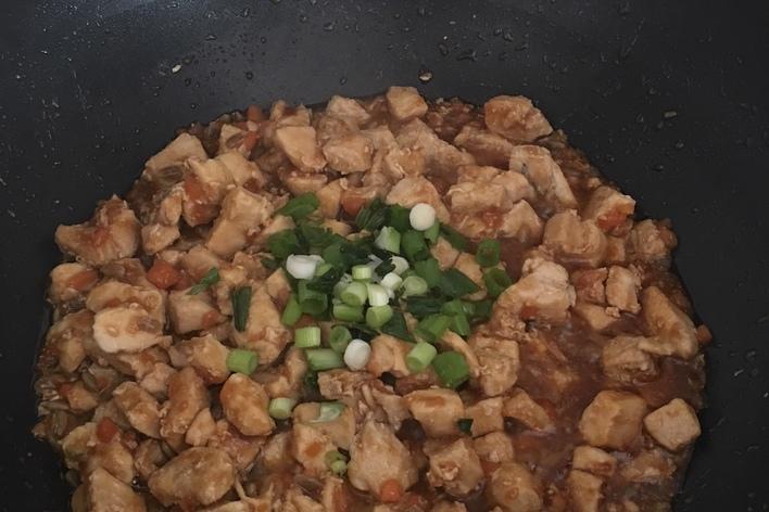 Emincé de poulet et sa sauce au soja