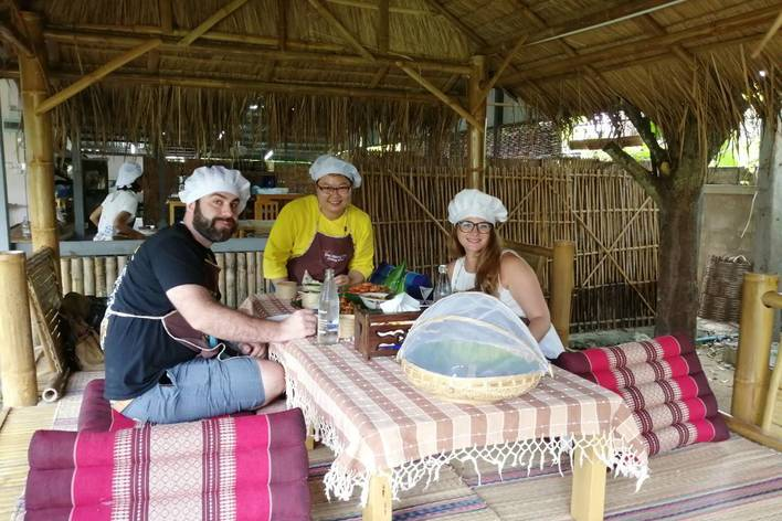 Chiang mai lanna cuisine cooking experience with the locals
