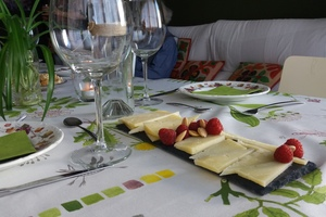 Eat with locals: Traditional food with fresh flavors