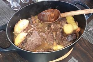 Eat with locals: Food & music saveurs de la bourgogne