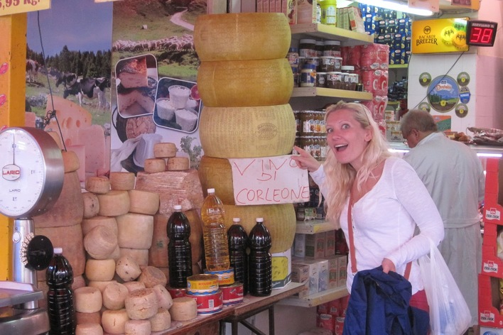 Sicilian wines and cheeses tasting