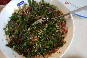 Eat with locals: Sushis/burgers/omelettes aux herbes/plat retour du marché