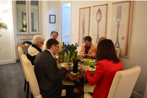 Eat with locals: Modern french & mediterranean cuisine
