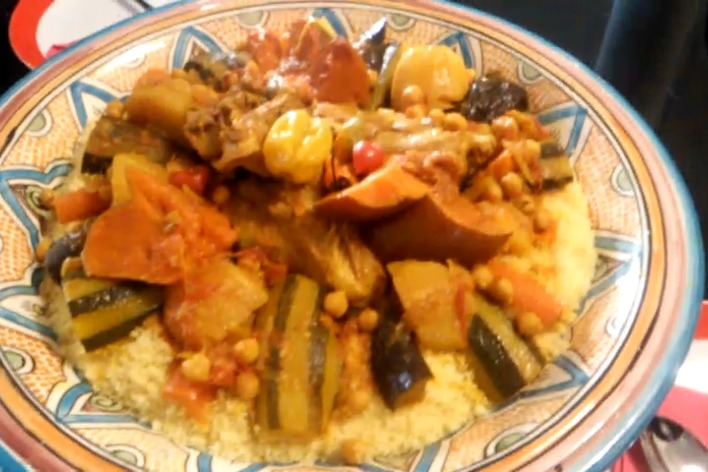 Couscous marocain à la viande et aux épices orientales