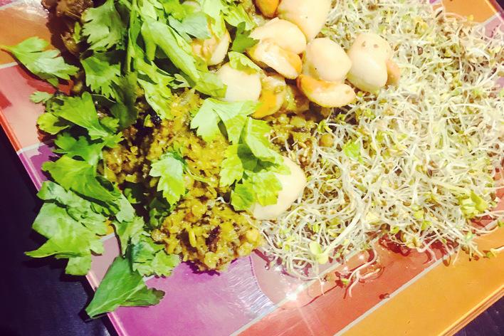 Kasha grillé aux poireaux & lait de coco, noix de saint jacques au ghee