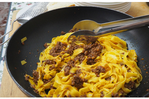 Eat with locals: Bolognese tradictional dinner
