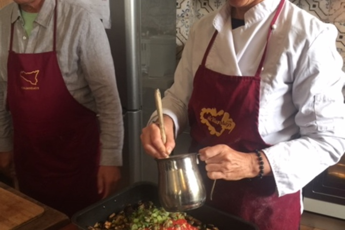 Sicilian cooking class and market tour