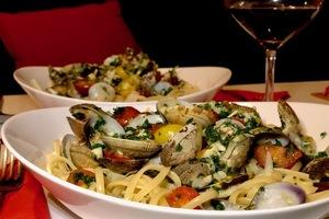 Eat with locals: Un dîner provençal et méditerranéen en terrasse