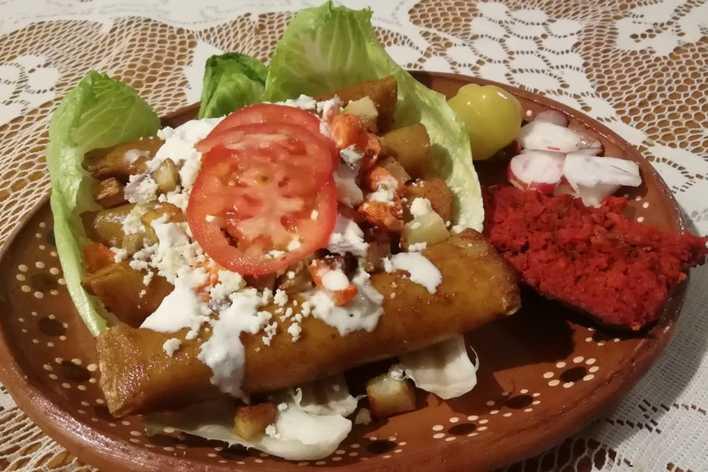 Cena de enchiladas