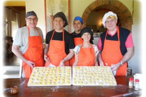 Eat with locals: Flavours of tuscany