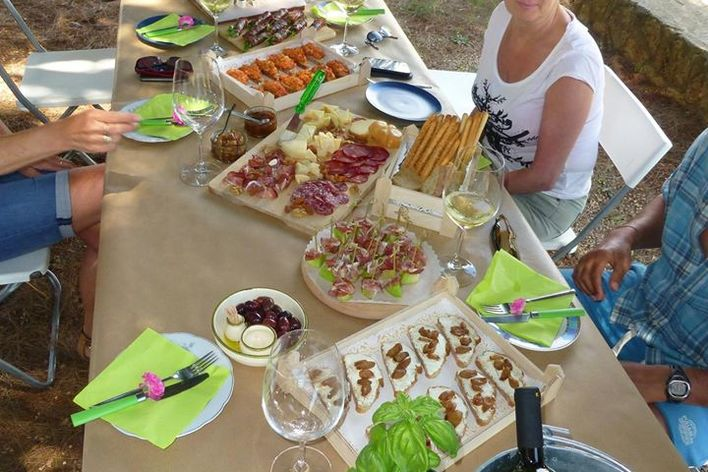 Cooking class and full lunch in a country reatreat in messinia, greece!