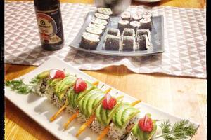 Eat with locals: Cours de sushis