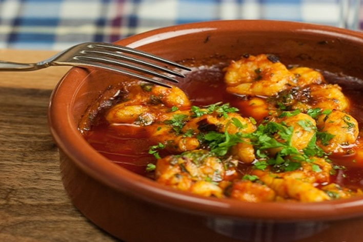 Learn, meet, taste real spanish food